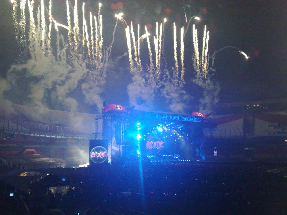 AC-DC final del show 4-12-09